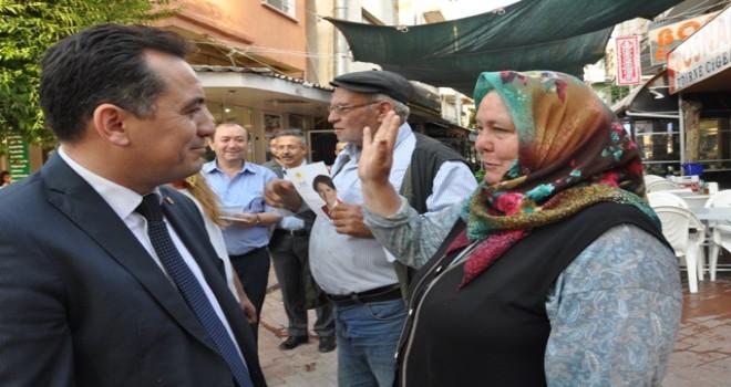 """İYİ Parti adayı Eryılmaz, """"Çiftçiye vermedikleri krediyi yandaşlara verdiler"""