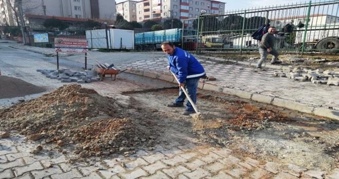 Bozuk Kilit Parke Taşlar Tamir Ediliyor