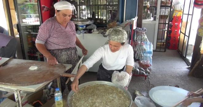 Milas Örenli  kadınların ev baklavası yok satıyor
