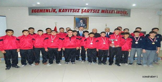 Endüstri Meslek Lisesi Sporcuları Manisa'da Başarı Kazandılar