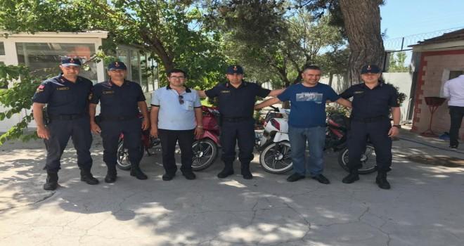 Jandarma Çalıntı Motosikletleri Sahibine Teslim Etti