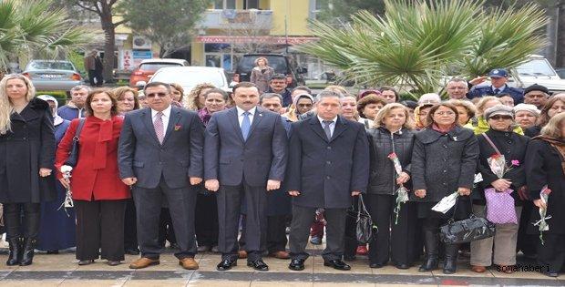 Soma 'da   8 Mart Dünya Kadınlar günü  Cengiz Topel  Meydanında  kutlandı.